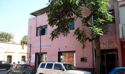 thumb_HOTEL-ESPERANZA-1
